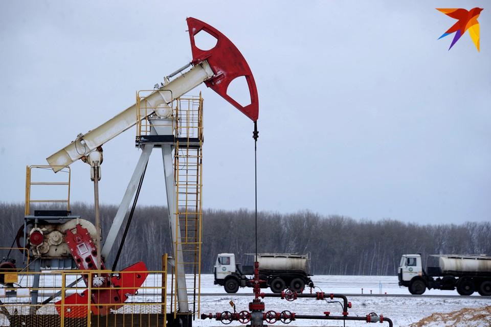 Мировые цены на нефть обвалились на 42,6 процента