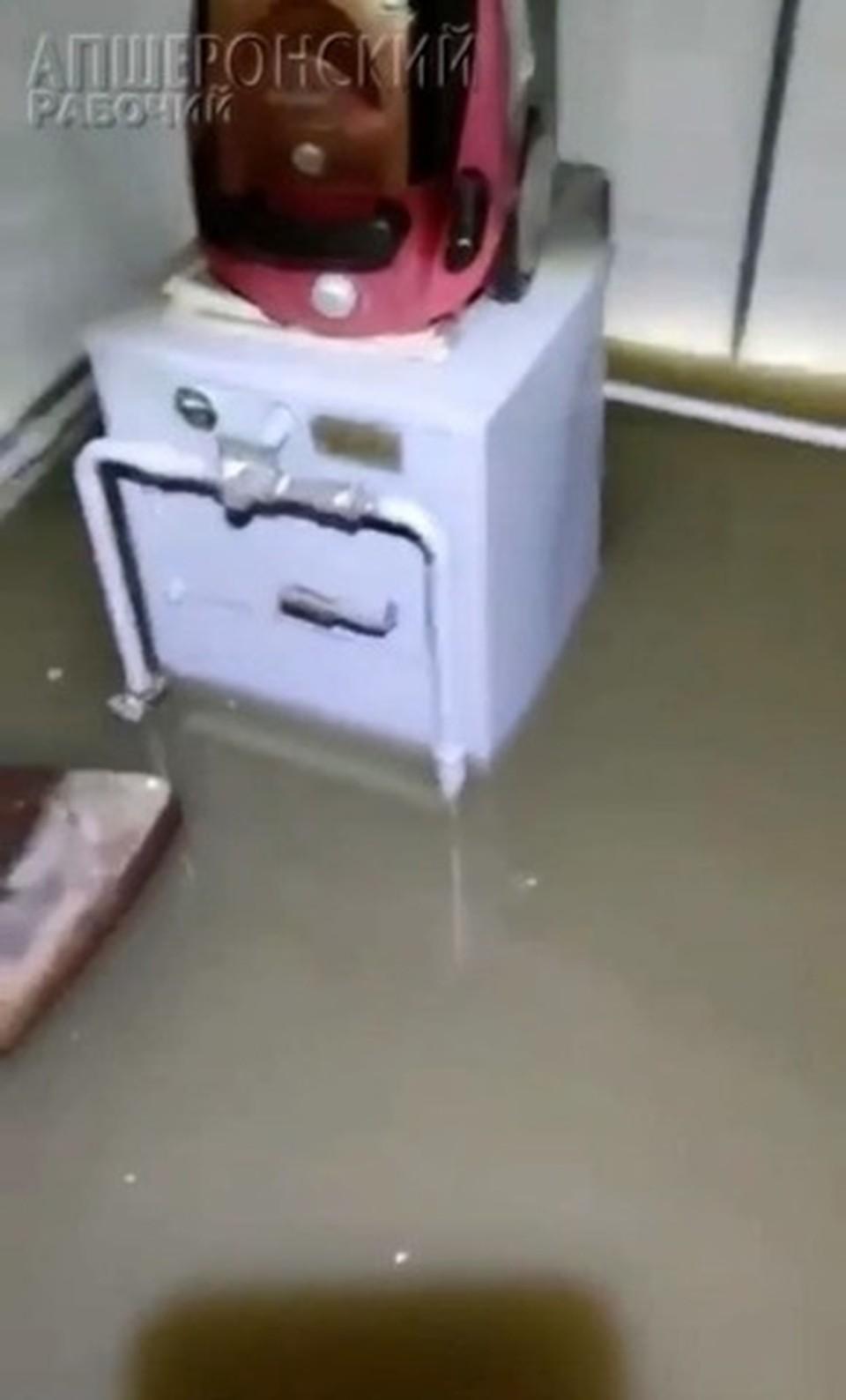 Вода в домах поднялась на 20 см. фото @apsmi