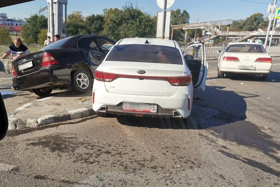 Пострадавшая была из автомобиля Toyota Corolla. Фото: АСТ-54