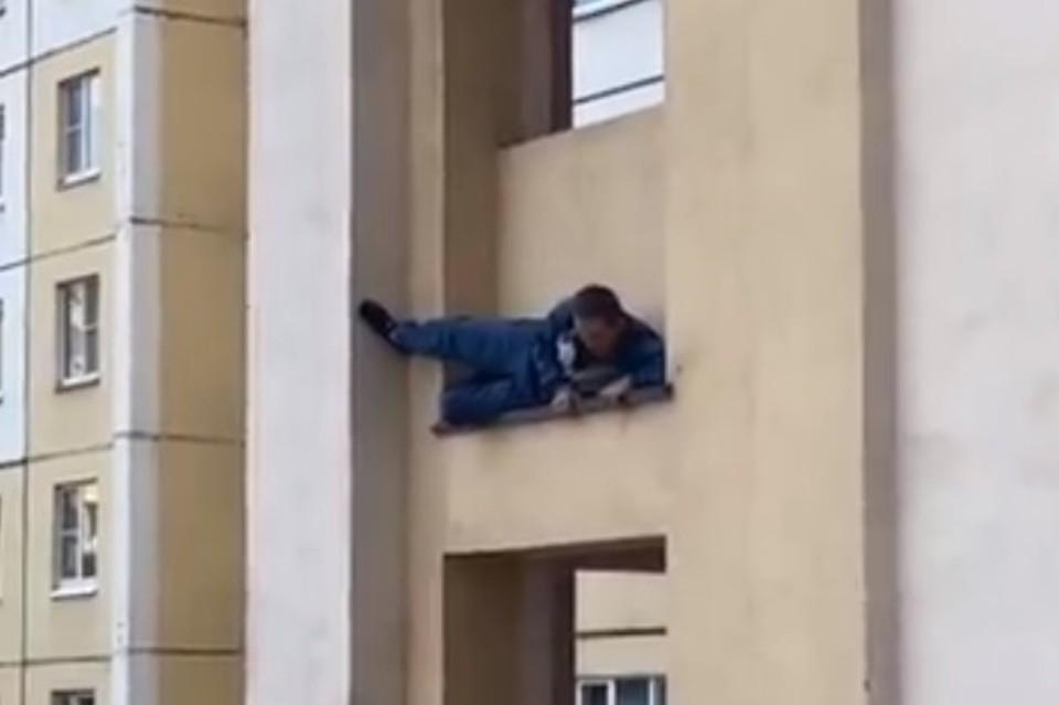 """В Липецке появился """"человек паук"""""""