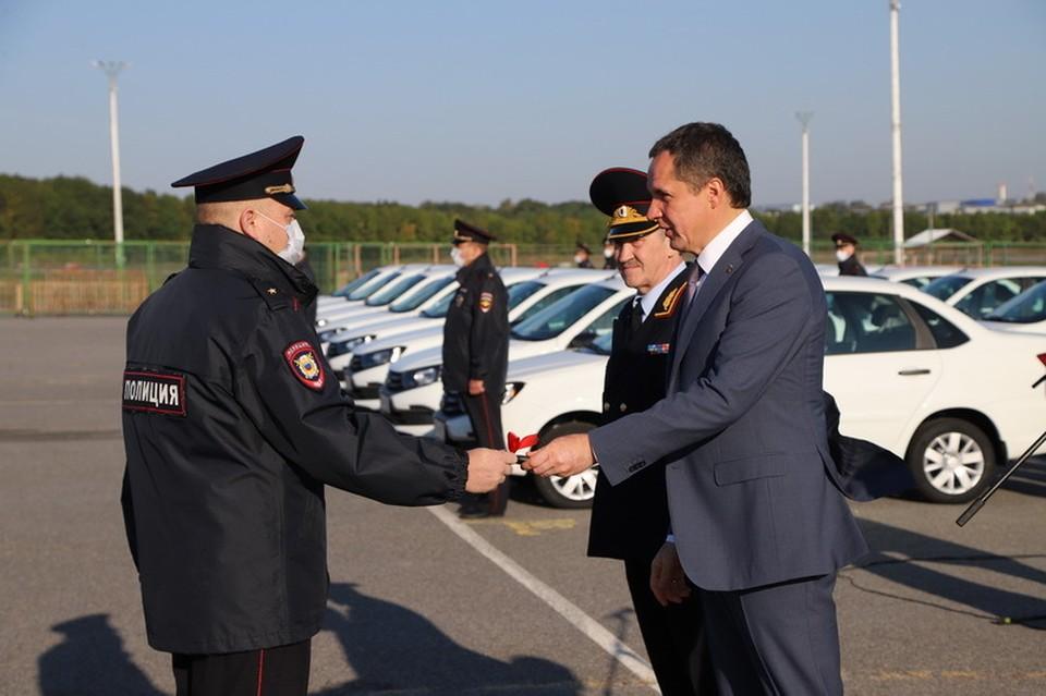 В Белгородской области участковые уполномоченные получили 35 новых автомобилей.