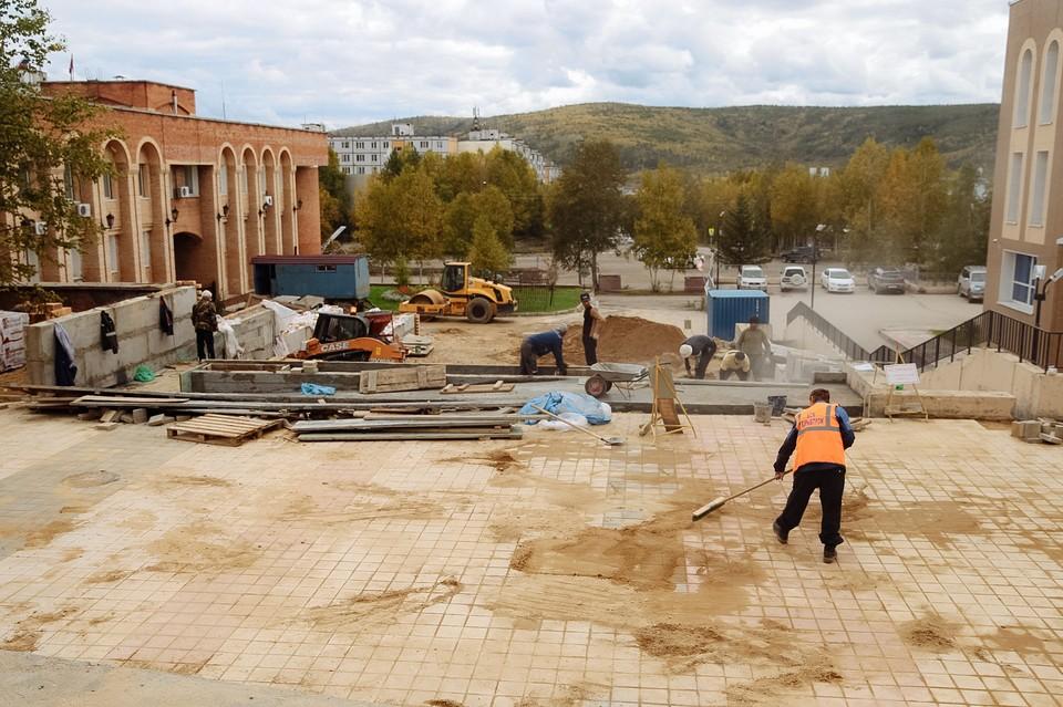 Строительство «БАМовского Арбата» в Тынде началось в мае этого года. Фото: пресс-служба правительства Амурской области.