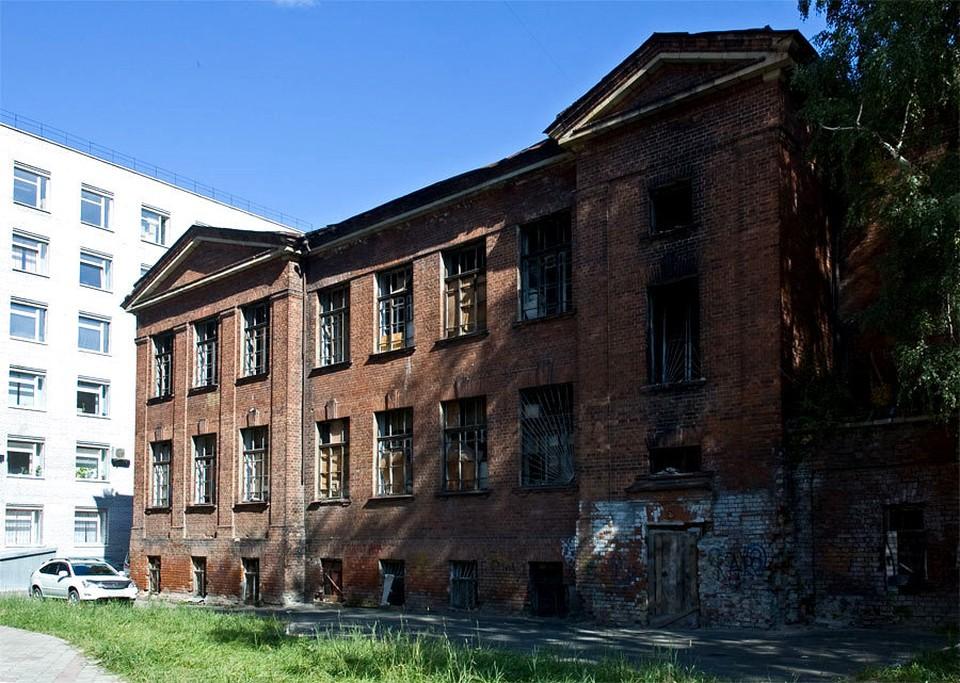 В настоящее время историческое томское здание по улице Алтайской находится в неудовлетворительном состоянии. Фото: с сайта towiki.ru